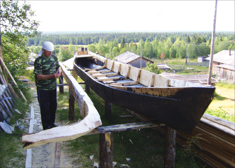 Альберт Логинов за работой